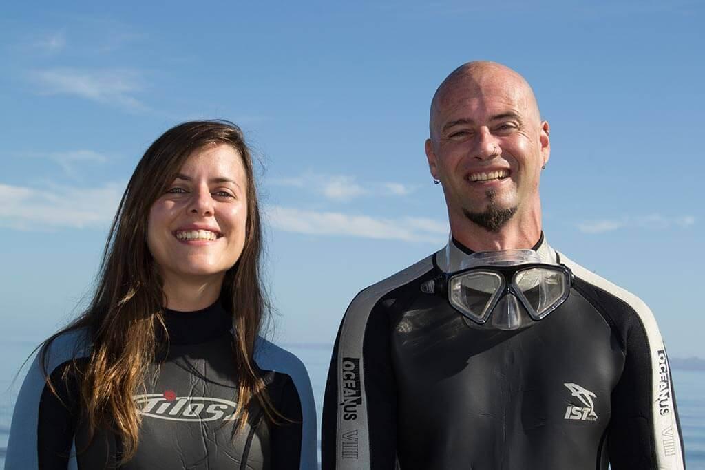 Efra y Annabel, Viajar Buceando