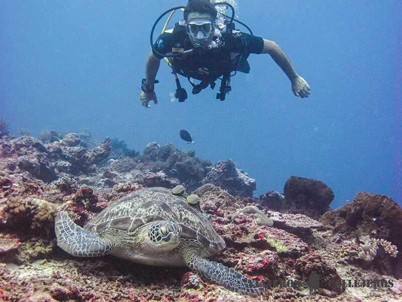 Roger de Viajeroscallejeros primera inmersión de buceo
