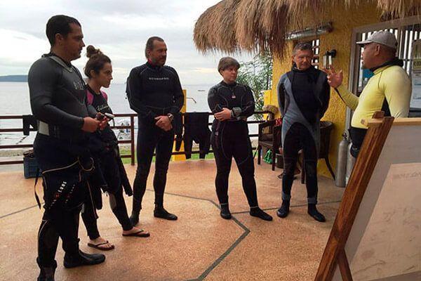 viaje de buceo a anilao curso fotosub resort filipinas 6