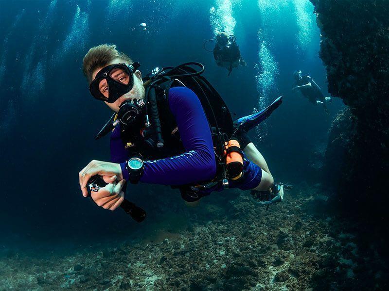 trabajar de fotografo submarino instructor