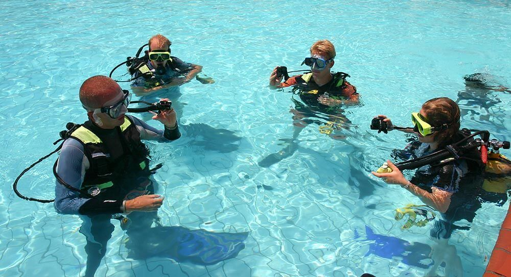 convertirse en instructor de buceo